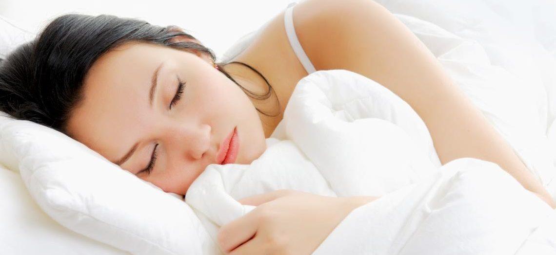 3 ข้อดีของการ นอนตะแคง มีประโยชน์และดีต่อสุขภาพที่หลาย ๆ คนยังไม่รู้