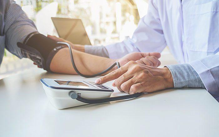 ทำความรู้จักกับ โรคความดันโลหิตสูง โรคยอดฮิตในผู้สูงอายุ