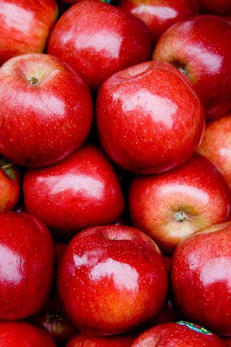ประโยชน์ของแอปเปิ้ลแดง ที่บอกเลยว่าอร่อยและดีมาก ๆ ต่อสุขภาพร่างกาย สายคนรักสุขภาพบอกเลยว่าไม่ควรพลาด