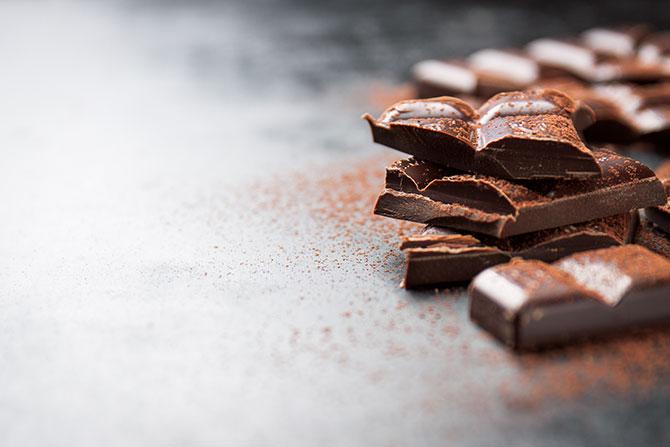 ประโยชน์ของดาร์กช็อกโกแลต  ที่มีประโยชน์ต่อสุขภาพ ทานได้ไม่อ้วน
