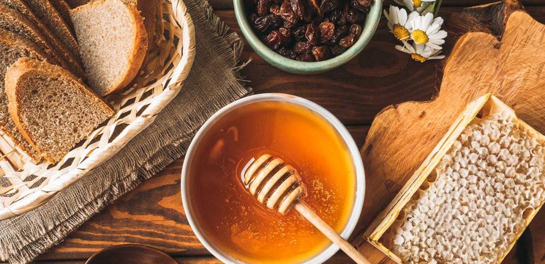 น้ำผึ้ง สมุนไพร รสดี กินง่าย ทำง่าย ได้ประโยชน์สามารถกินเป็นอาหารที่แทนยาได้เลย