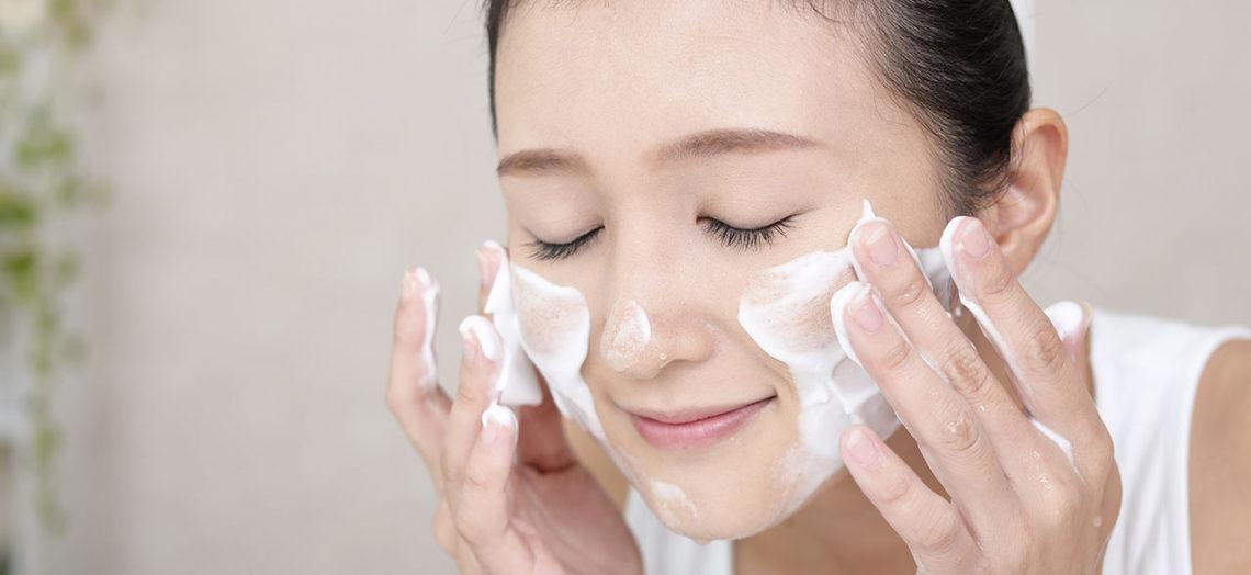การล้างหน้า อย่างถูกวิธี ขั้นตอนแรกของการดูแลผิวหน้าที่สำคัญ