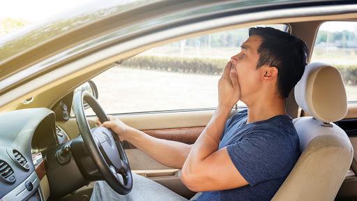 หลับใน ขณะขับรถกลับบ้านก่อนขึ้นปีใหม่ ที่คุณเองห้ามพลาด