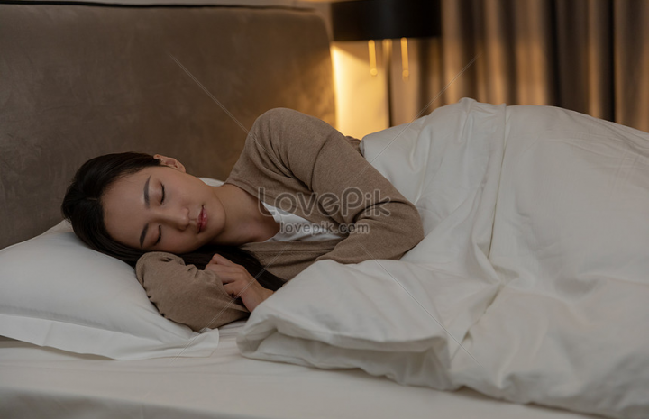 การนอน เวลาประมาณ 22:00 น. คือการได้นอนหลับในเวลายามค่ำคืน